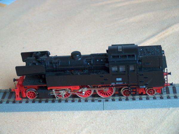 Modell-Dampflokomotive BR66 von Piko