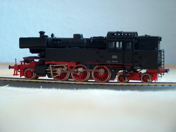 Die Baureihe 66 der DB von der Seite